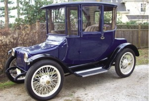 1917 Detroit Electric Vs 2014 BMW i3: A Century Of Electric Cars