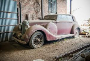 1939 Lagonda V12 Hooper two door sedan