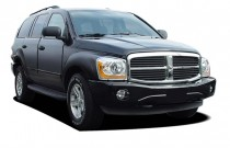 2004 Dodge Durango 4-door 4WD SLT Angular Front Exterior View