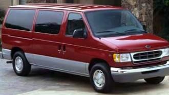 2000 Ford Econoline Wagon XL