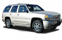 2003 GMC Yukon Denali 4-door AWD Angular Front Exterior View