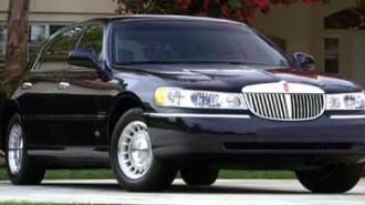 2000 Lincoln Town Car Executive