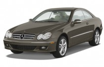 2009 Mercedes-Benz CLK Class 2-door Coupe 3.5L Angular Front Exterior View