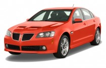 2008 Pontiac G8 4-door Sedan Angular Front Exterior View