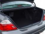 2004 Toyota Avalon 4-door Sedan XLS w/Bucket Seats (Natl) Trunk