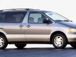 2000 Toyota Sienna CE