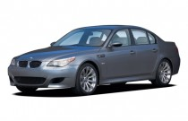 2007 BMW 5-Series 4-door Sedan M5 Angular Front Exterior View
