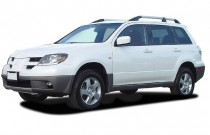 2003 Mitsubishi Outlander 4-door XLS Angular Front Exterior View