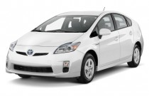 2010 Toyota Prius 5dr HB II (Natl) Angular Front Exterior View