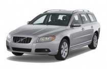 2009 Volvo V70 4-door Wagon Angular Front Exterior View