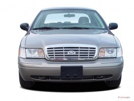 2006 Ford Crown Victoria 4-door Sedan Standard Front Exterior View