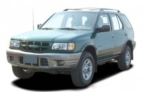 2004 Isuzu Rodeo 4-door S 3.5L Auto Angular Front Exterior View