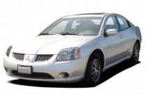 2004 Mitsubishi Galant 4-door Sedan ES 2.4L Auto Angular Front Exterior View