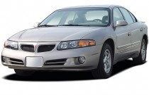 2003 Pontiac Bonneville 4-door Sedan SE Angular Front Exterior View