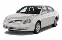 2010 Toyota Avalon 4-door Sedan XL (Natl) Angular Front Exterior View
