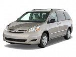 2010 Toyota Sienna 5dr 8-Pass Van LE FWD (Natl) Angular Front Exterior View