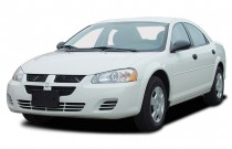 2003 Dodge Stratus 4-door Sedan SXT Angular Front Exterior View