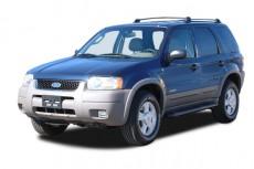 """2003 Ford Escape 4-door 103"""" WB XLS Popular Angular Front Exterior View"""