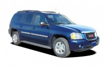 2005 GMC Envoy XL 4-door 2WD SLT Angular Front Exterior View