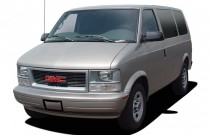 "2005 GMC Safari Passenger Ext 111"" WB RWD Angular Front Exterior View"