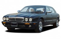 2003 Jaguar XJ 4-door Sedan VDP Angular Front Exterior View