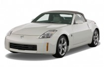 2009 Nissan 350Z 2-door Roadster Auto Touring Angular Front Exterior View