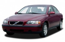 2003 Volvo S60 4-door Sedan 2.4L Turbo Angular Front Exterior View