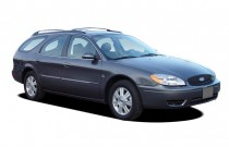 2004 Ford Taurus 4-door Wagon SEL Angular Front Exterior View