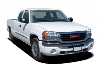 "2005 GMC Sierra 1500 Ext Cab 157.5"" WB 4WD Angular Front Exterior View"