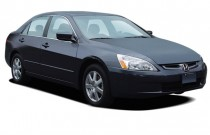 2005 Honda Accord Sedan EX AT Angular Front Exterior View
