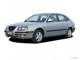 2004 Hyundai Elantra 5dr Sedan GT Manual Angular Front Exterior View
