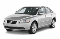 2010 Volvo S40 4-door Sedan Man FWD Angular Front Exterior View
