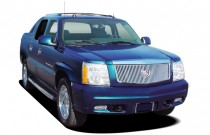 2005 Cadillac Escalade EXT 4-door AWD Angular Front Exterior View