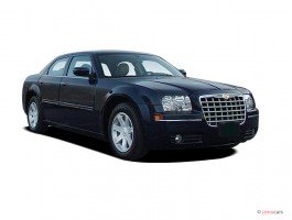 2005 Chrysler 300-Series 4-door Sedan 300 Touring *Ltd Avail* Angular Front Exterior View