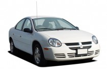 2005 Dodge Neon 4-door Sedan SXT Angular Front Exterior View