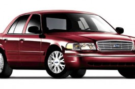 2005 Ford Crown Victoria Standard