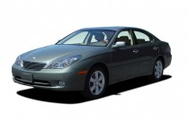 2005 Lexus ES 330 4-door Sedan Angular Front Exterior View