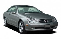2005 Mercedes-Benz CLK Class 2-door Coupe 3.2L Angular Front Exterior View