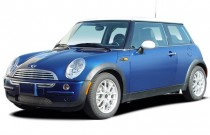2005 MINI Cooper Hardtop 2-door Coupe Angular Front Exterior View