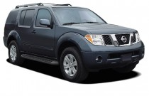 2005 Nissan Pathfinder LE 4WD Angular Front Exterior View