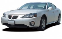 2005 Pontiac Grand Prix 4-door Sedan GT Angular Front Exterior View