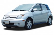 2005 Scion xA 4-door Sedan Auto (Natl) Angular Front Exterior View