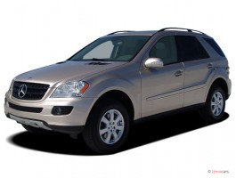 2006 Mercedes-Benz M Class 4-door 4WD 3.5L Angular Front Exterior View