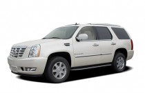 2007 Cadillac Escalade AWD 4-door Angular Front Exterior View
