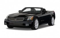 2007 Cadillac XLR-V 2-door Convertible Angular Front Exterior View