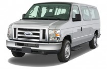 2008 Ford Econoline Wagon E-150 XLT Angular Front Exterior View