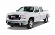 "2007 GMC Sierra 1500 2WD Crew Cab 143.5"" SLE2 Angular Front Exterior View"