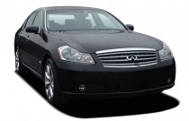 2007 Infiniti M35 4-door Sedan RWD Angular Front Exterior View