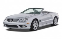 2007 Mercedes-Benz SL Class 2-door Roadster 5.5L V8 Angular Front Exterior View