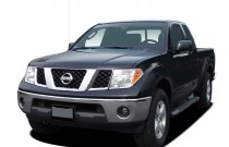 2007 Nissan Frontier 2WD King Cab Auto LE Angular Front Exterior View